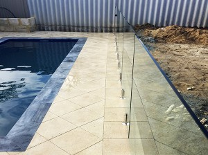 Gr8Glass_Pool_Fencing_124