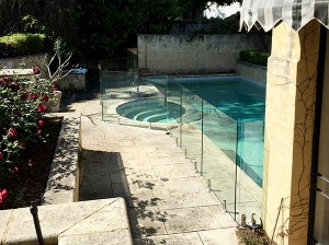 Gr8Glass_Pool_Fencing_136