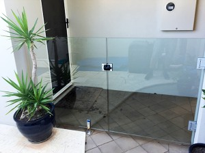 Gr8Glass_Pool_Fencing_Perth_Gate_Hinge_01